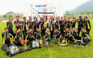 University Robot Competition Kingdom of Champions : Tahniah FKMP!