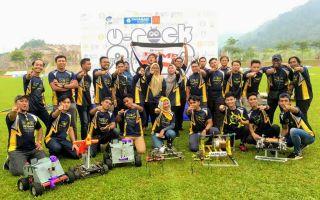 University Robot Competition Kingdom of Champions : Tahniah FKMP!