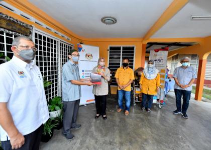 Majlis Lawatan Projek Public Private Research Network (PPRN) di Parit Sulong